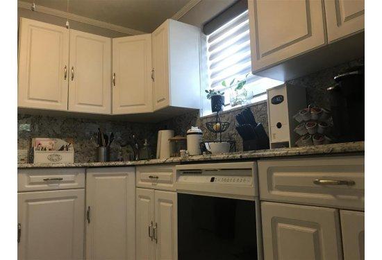 Renovated 1st Fl Granite Kitchen