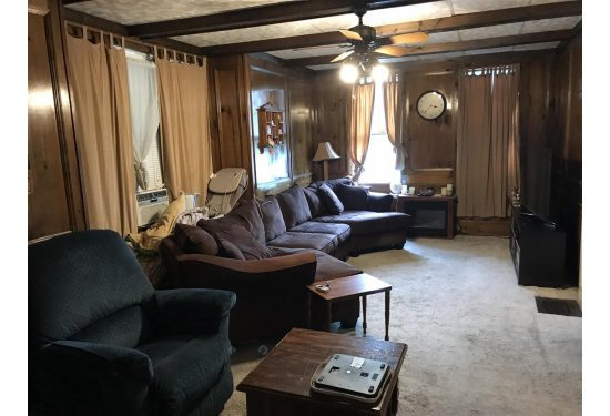 Large Living Rm/Family Rm