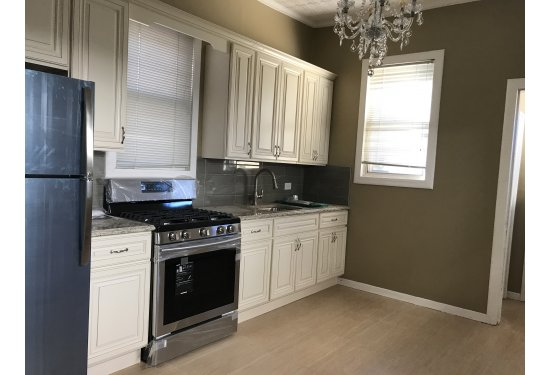 "Front House: Beautiful New Granite Kitchen with 42"" Cabinetry & NEW SS Appliances"