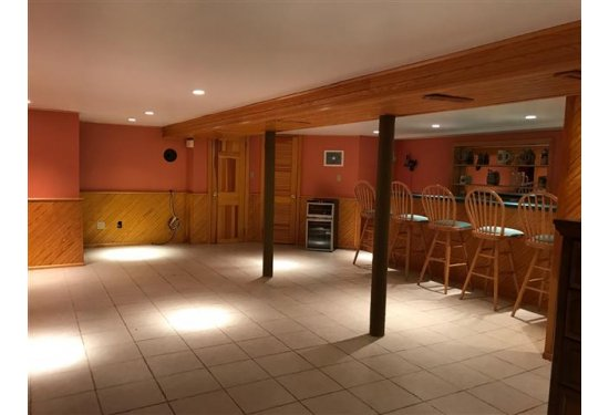 XL Basement with Built in Bar for Entertaining