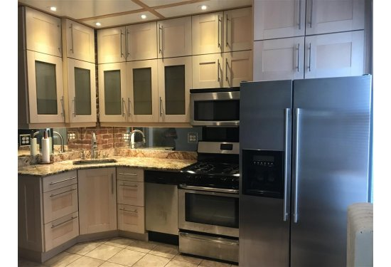 2nd Fl Renovated Granite Counter/SS Appliances Kitchen