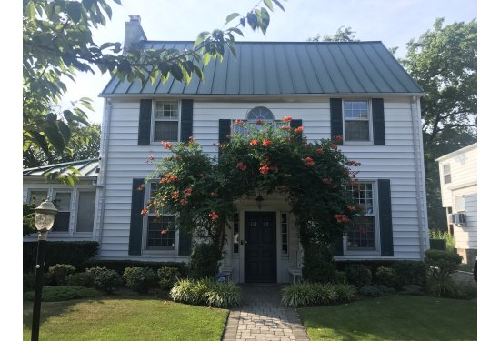 Stunning One Family Gem in PRIME Forest Hills Location