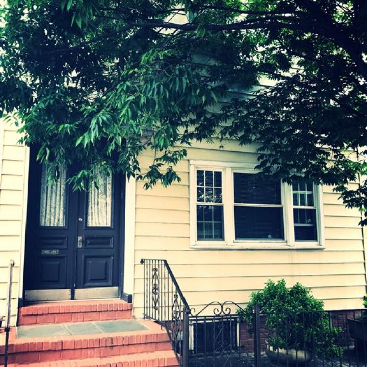 Lovely 2 Family Detached in HEART of Ridgewood