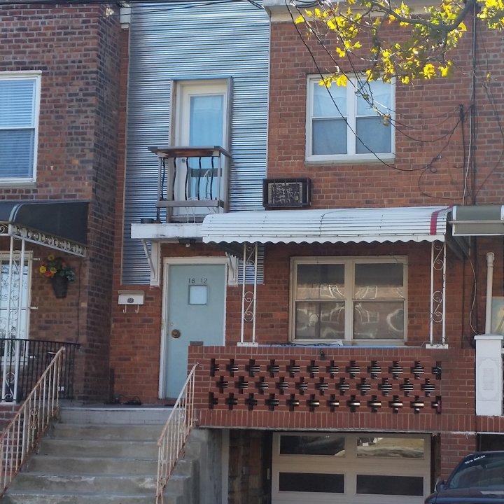 1 Family Brick+Private Driveway & Garage